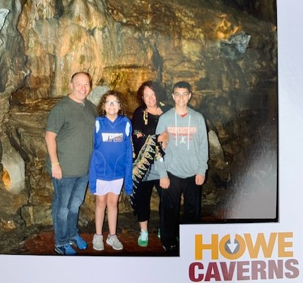 Howe's Caverns